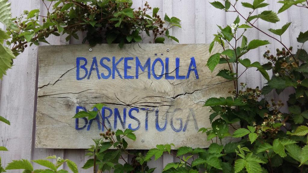 Die Baskemöller Barnstuga liegt an der Südküste Schwedens