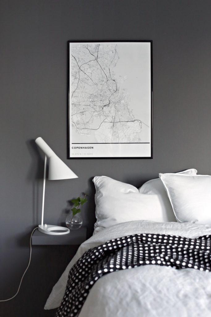 Traumort: Vor dem ins Bett gehen noch einen Blick auf die Landkarte werfen und sich dann nachts dorthin träumen.