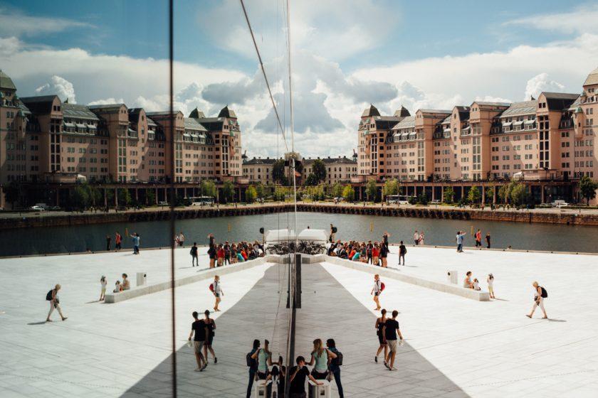 Die Oper im Hafen der norwegischen Hauptstadt ist eine der beliebtesten Sehenswürdigkeiten der Stadt.