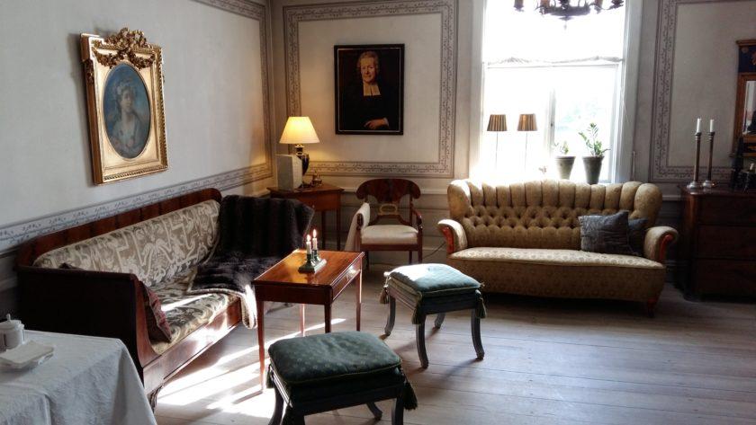 Die Lobby des Hotels versetzt einen zurück in alte Zeiten des schwedischen Landlebens.