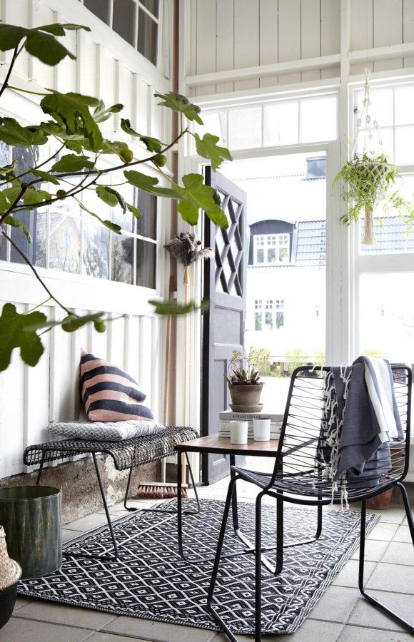 Drinnen ist das neue Draussen: Indoor-Balkon mit gemütlichem Sitzplatz (Ellos)