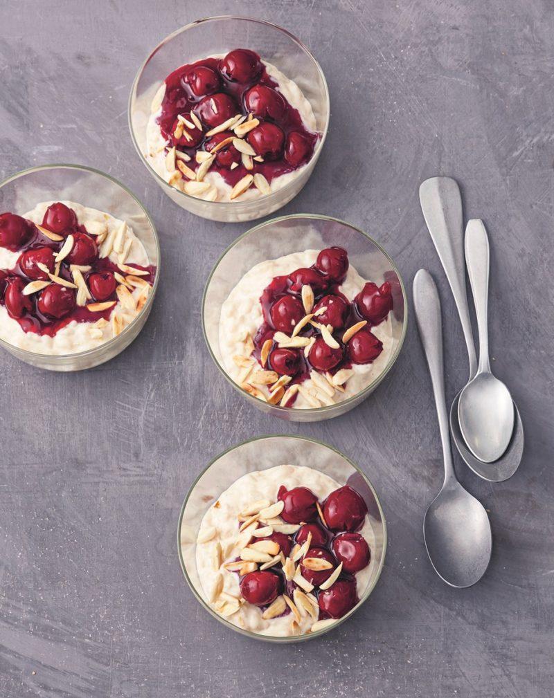 Rezept für dänischen Milchreis Ris a la Mande mit Kirschen