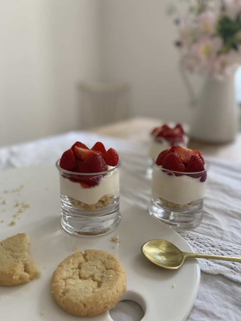 """""""Änglamat"""" – Schwedisches Dessert mit Erdbeeren"""